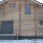 Окосячка с закладным бруском в доме из бревна