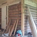 Деревянная дверь, вход в баню