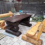 Стол и лавочки из бревна